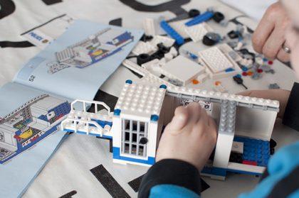 LEGOcity60139_CentroControlMovil_PoliciaIMG2
